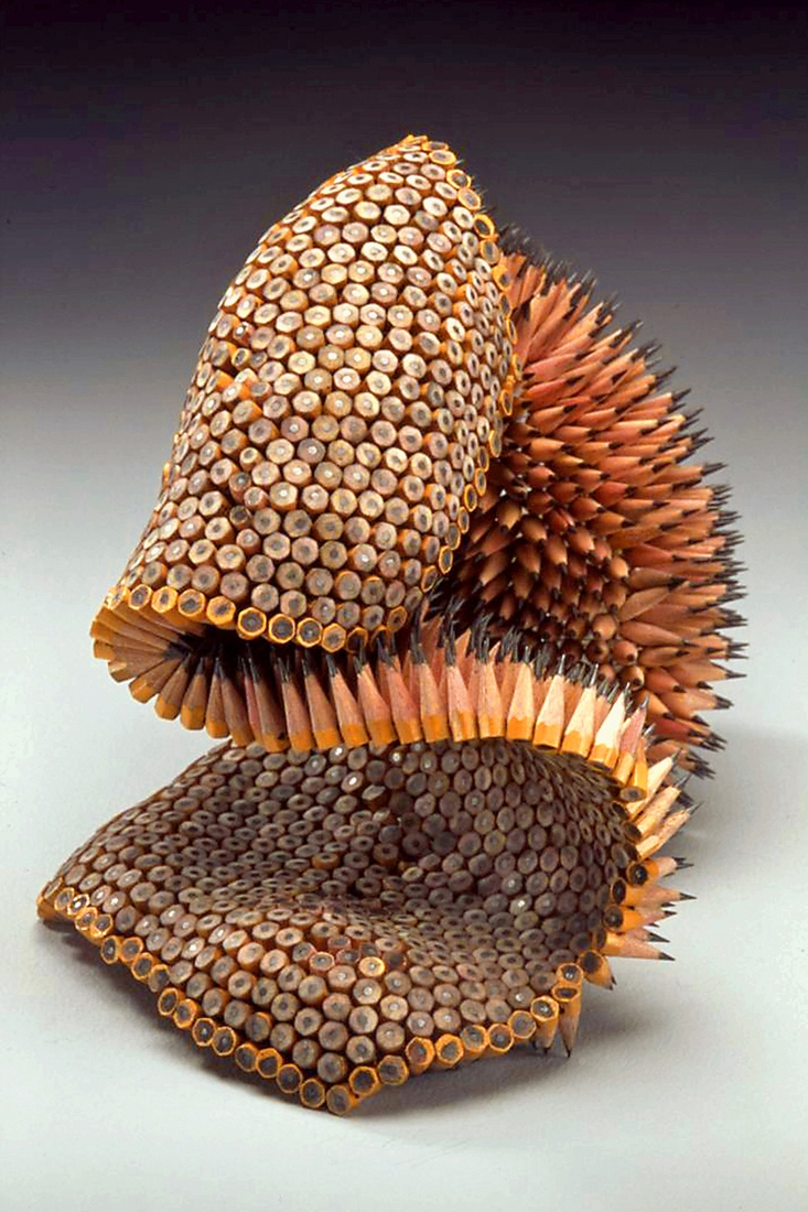 02-Pelt-Jennifer-Maestre-Creature-Pencil-Sculptures-with-a-Peyote-Stitch-www-designstack-co