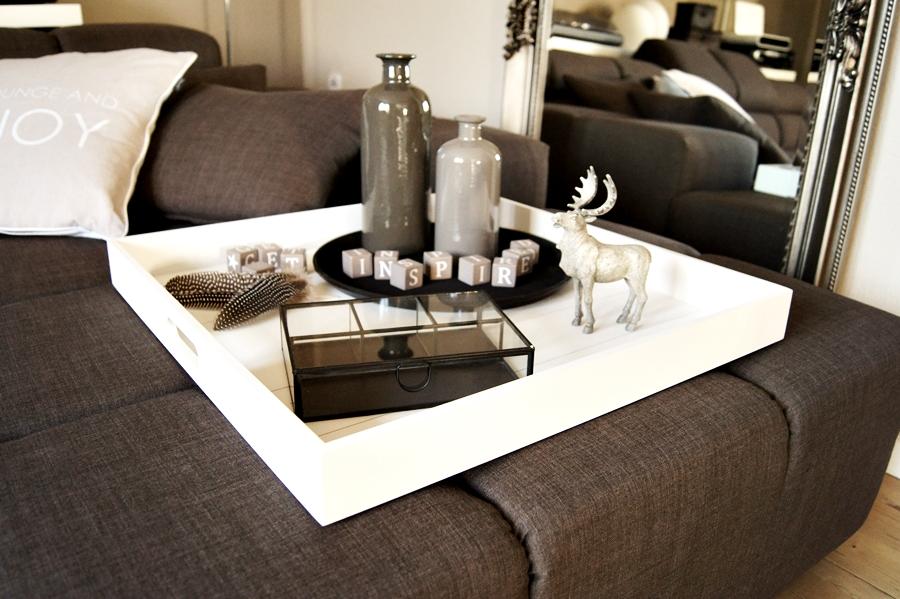 Wohnen neue deko im wohnzimmer for Deko tablett dekorieren