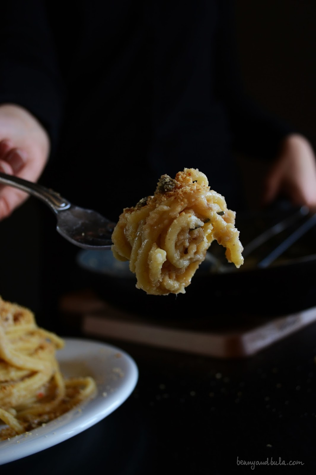 ricetta spaghetti con pangrattato e acciughe/ bread crumbs and anchovies pasta recipe