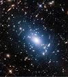 La luz intracúmular ilumina la materia oscura en los cúmulos de galaxias