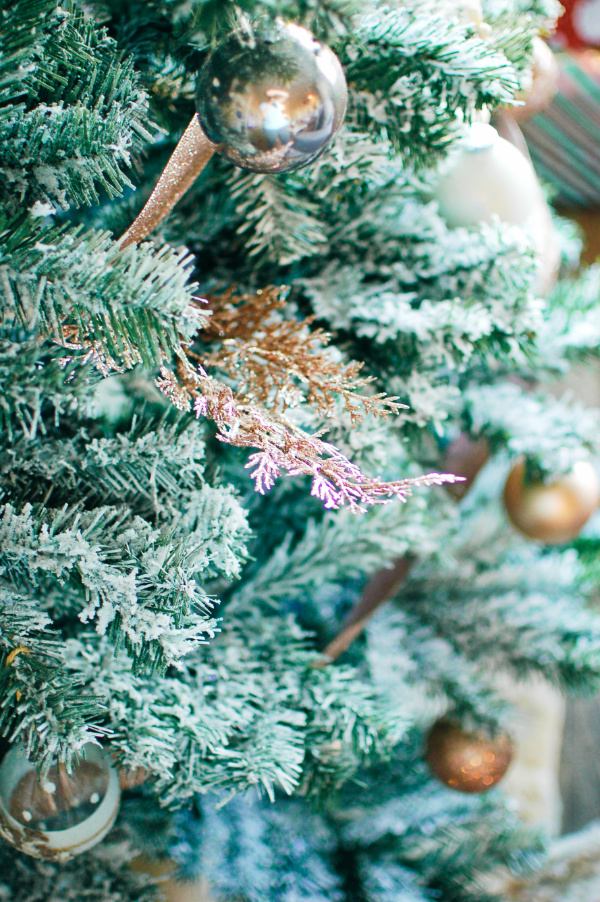 Glam Christmas tree decor