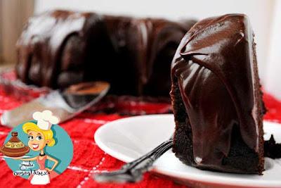 كيكة الشوكولاته بصوص الشوكولاته