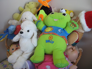 Freshen stuffed animals that can't be washed