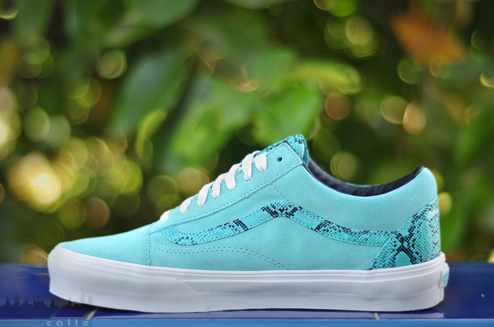 298f39504b VANS OLDSKOOL YEAR OF THE SNAKE (TIFFANY)   SIZES  8-11   PRICE  3498    FREE SHIPPING NATIONWIDE