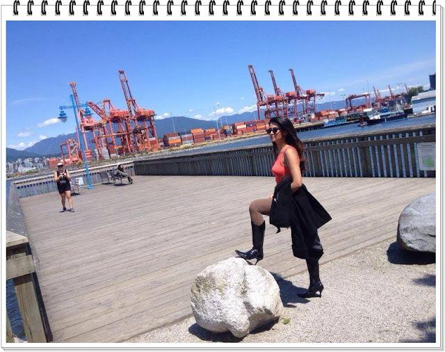 Surveen-Chawla-Hot-Photos-9