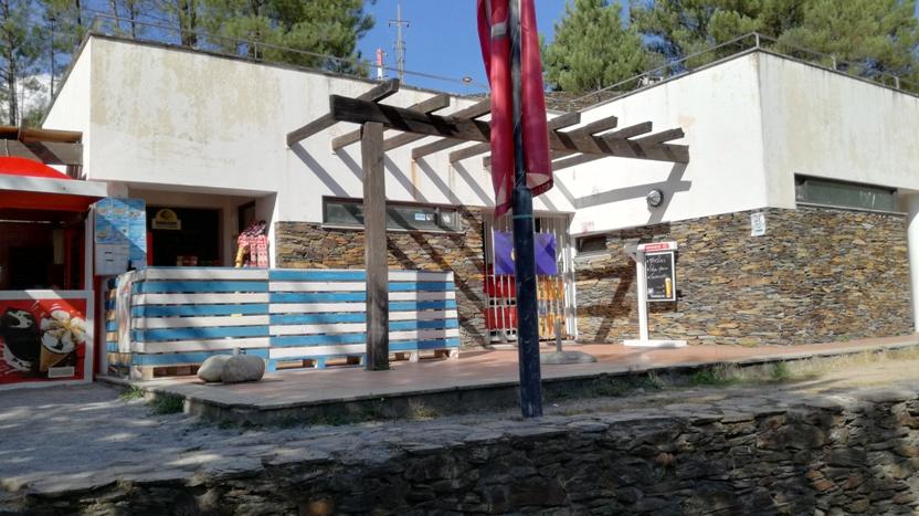 Bar da Praia Fluvial da relva da reboleira