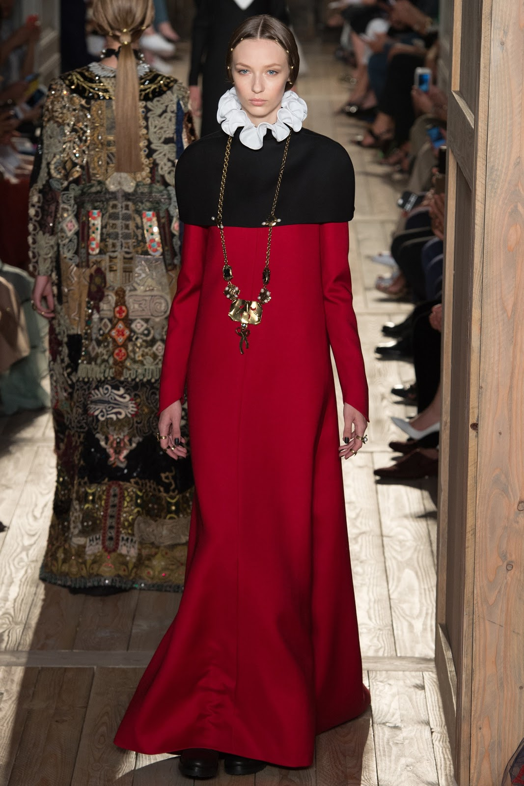 2016 Fall 2017 Winter Fashion Trends For Teens: Valentino Fall 2016 Couture Fashion Show