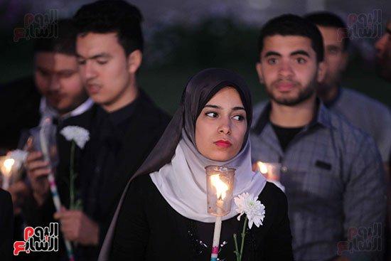 الجمعة الحزينة تشهد وقفة بالشموع أمام مدينة الإنتاج الإعلامى لتأبين ضحايا الكنيستين