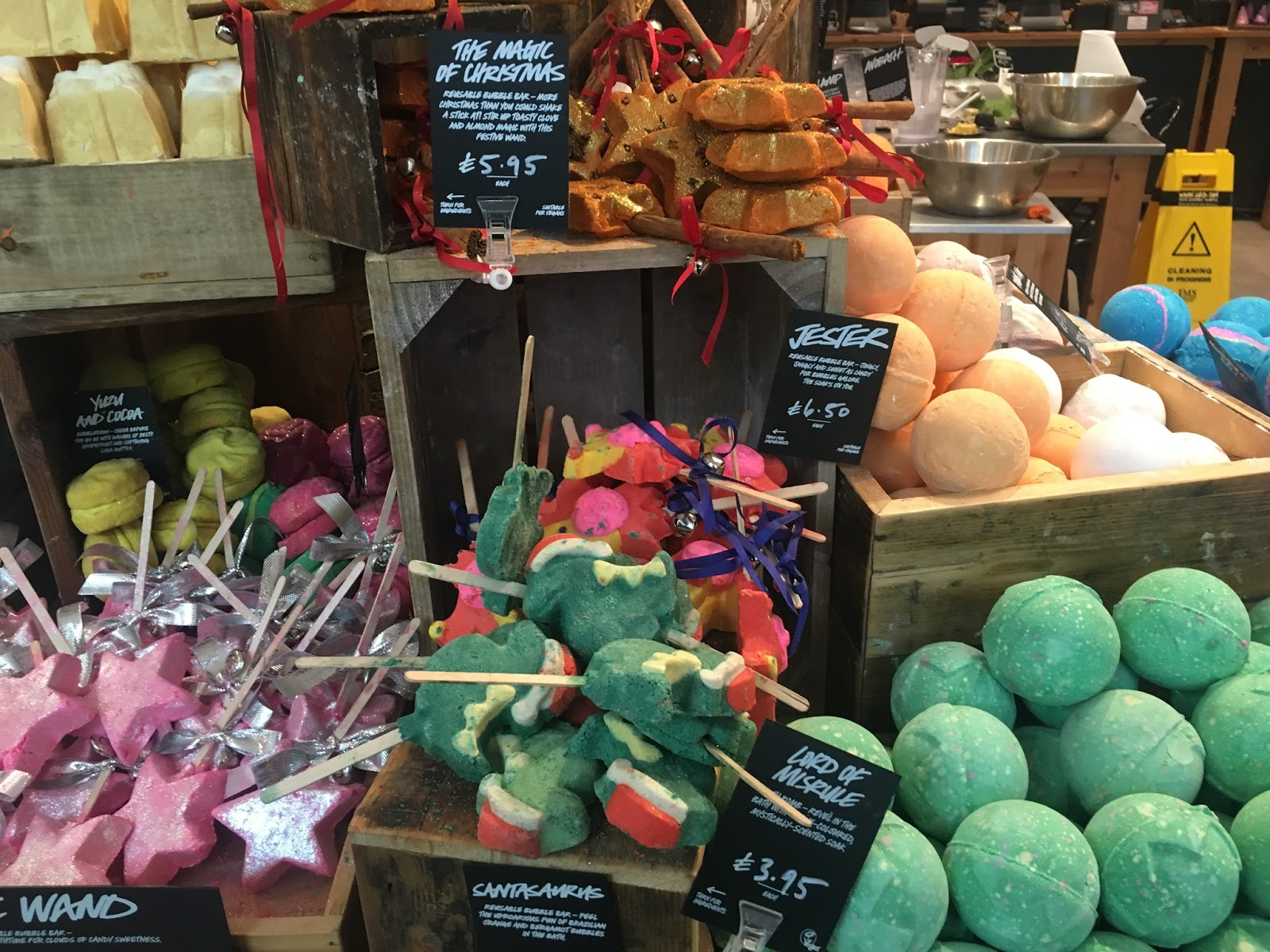 lush-bubble-bars-christmas