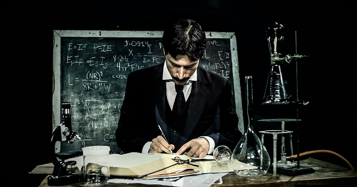 14 Rare Images of the Eccentric Nikola Tesla at Work