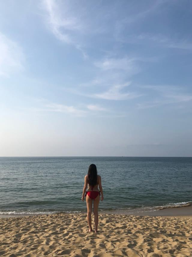 Hotgirl vòng một tái xuất, cực kỳ sexy trong bộ bikini nóng bỏng