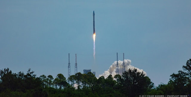 The Atlas V 401 rocket with the S.S. John Glenn OA-7 Cygnus cargo spacecraft launches out of Space Launch Complex 41. Photo Credit: Vikash Mahadeo / SpaceFlight Insider