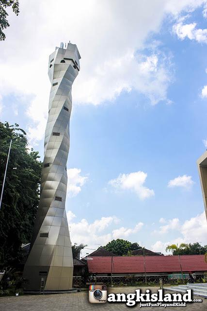 menara masjid agung bojonegoro