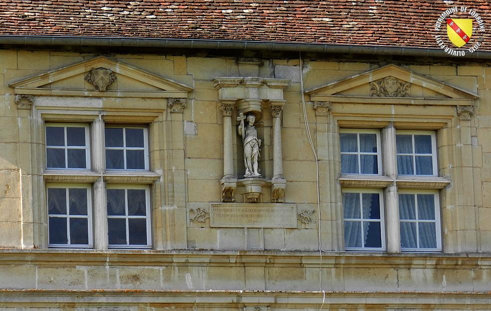 Des fenêtres d'hier et d'aujourd'hui. - Page 5 Pierre-la-Treiche-La%2BRochotte-012