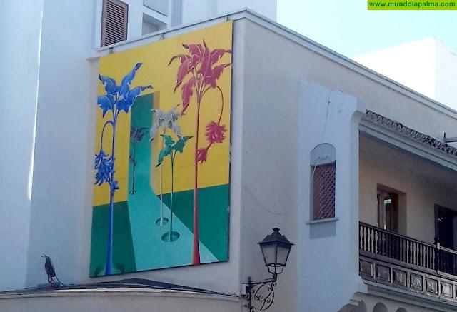 Carmen Cólogan presenta el nuevo cuadro del Museo en la Calle de Los Llanos de Aridane