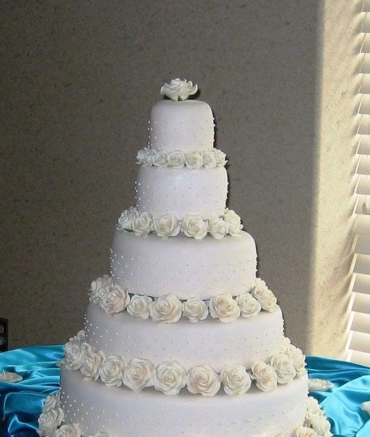 Tom Cruise Wedding Cake