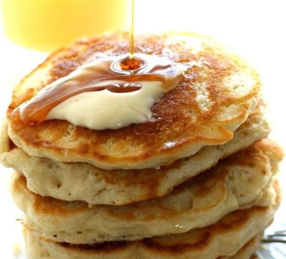 Light and Fluffy Vegan Pancakes #Vegan #Pancakes