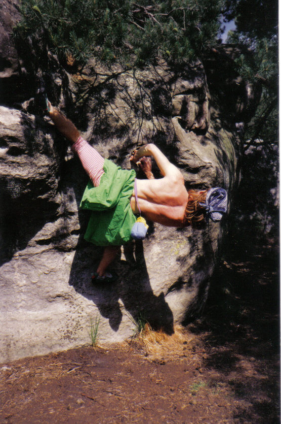 Arnaud dans Super vista, Bois Rond, 6c, Trois Pignons, (C) 90's Greg Clouzeau