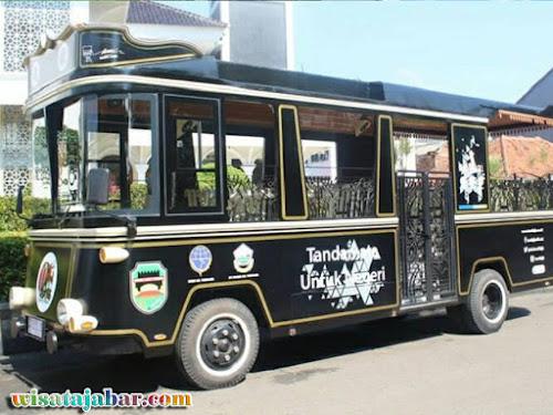 Bus wisata Kidang Pananjung Purwakarta