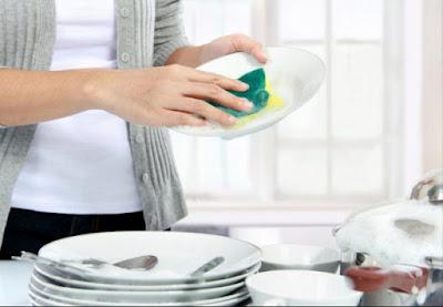 Cara Cuci Piring Dalam Jumlah Banyak