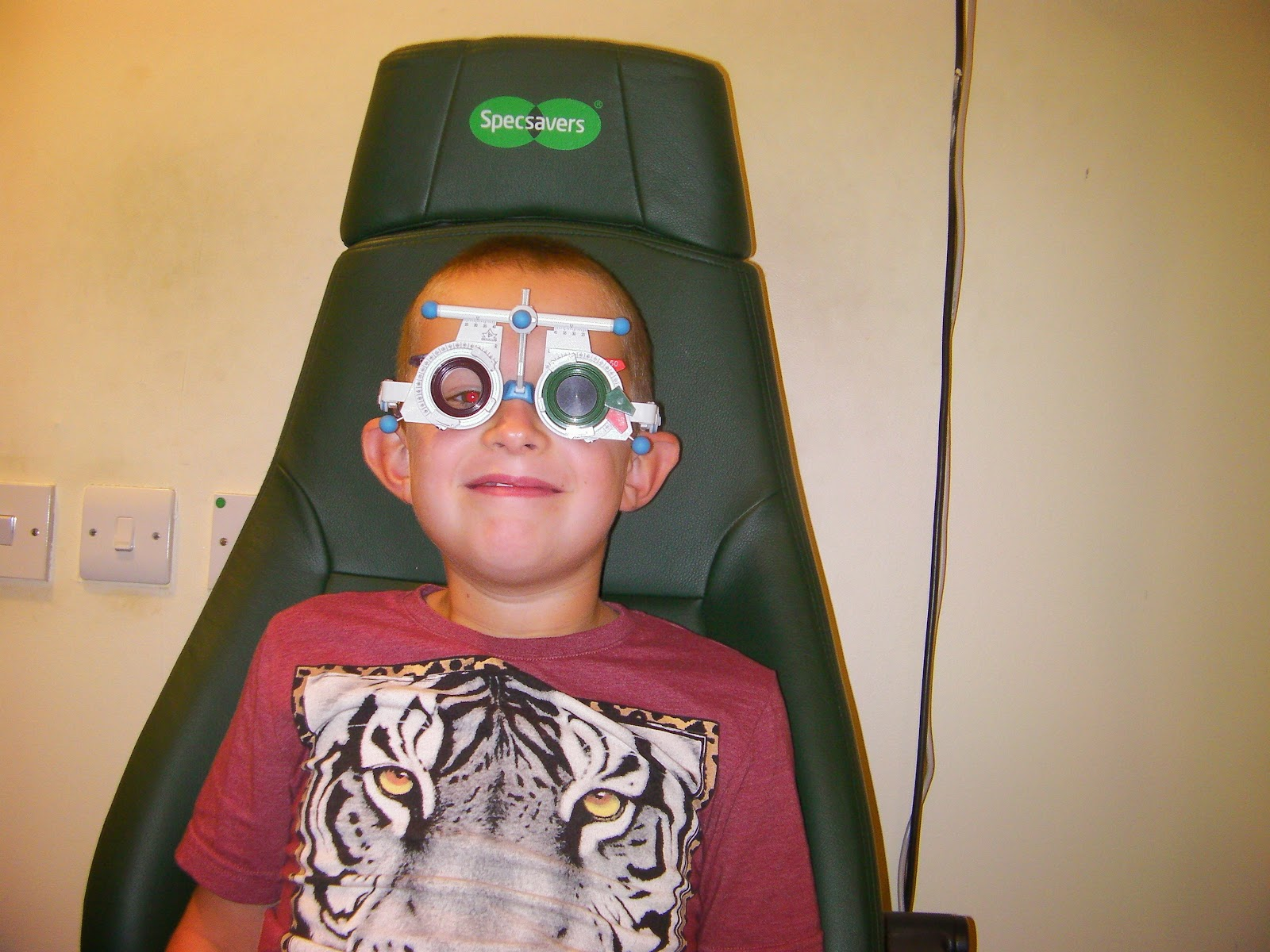 specsavers portsmouth eye test for kids found mittendorf dots