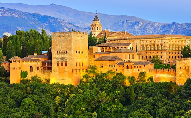Paket Wisata Muslim Maroko Spanyol 2015