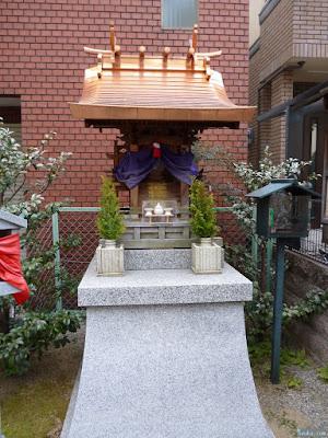 松乃木神社祠