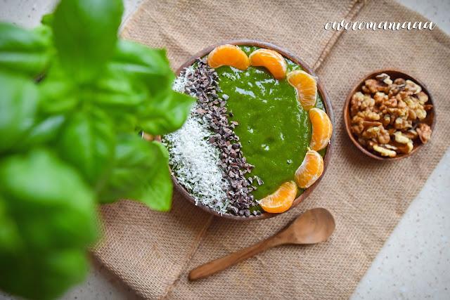 https://zielonekoktajle.blogspot.com/2019/04/mango-banan-pomarancza-jarmuz-maca.html