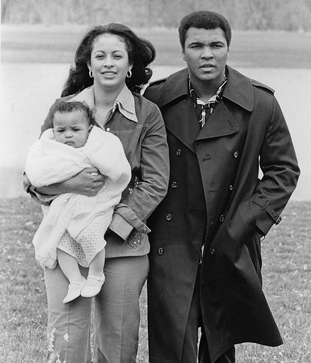 Rip muhammad ali here are 24 rare candid photographs of muhammad ali is pictured with wife veronica porsche ali and daughter hana ali in 1977 while touring their farm in berrien spring michigan thecheapjerseys Choice Image