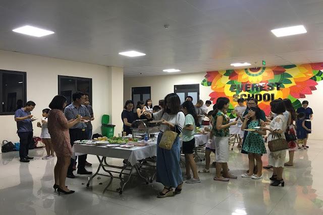 Đặt Tiệc Liên Hoan Mừng Tốt Nghiệp