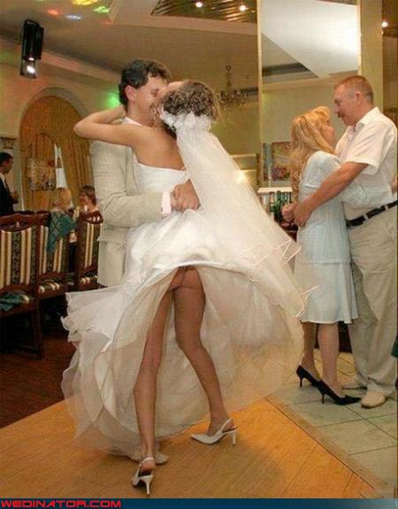 http://2.bp.blogspot.com/-ENwa7vDy9C4/T3HrEtBM1nI/AAAAAAAAF-o/DMEM_YbDZkA/s1600/funny-wedding-photos-cheks.jpeg