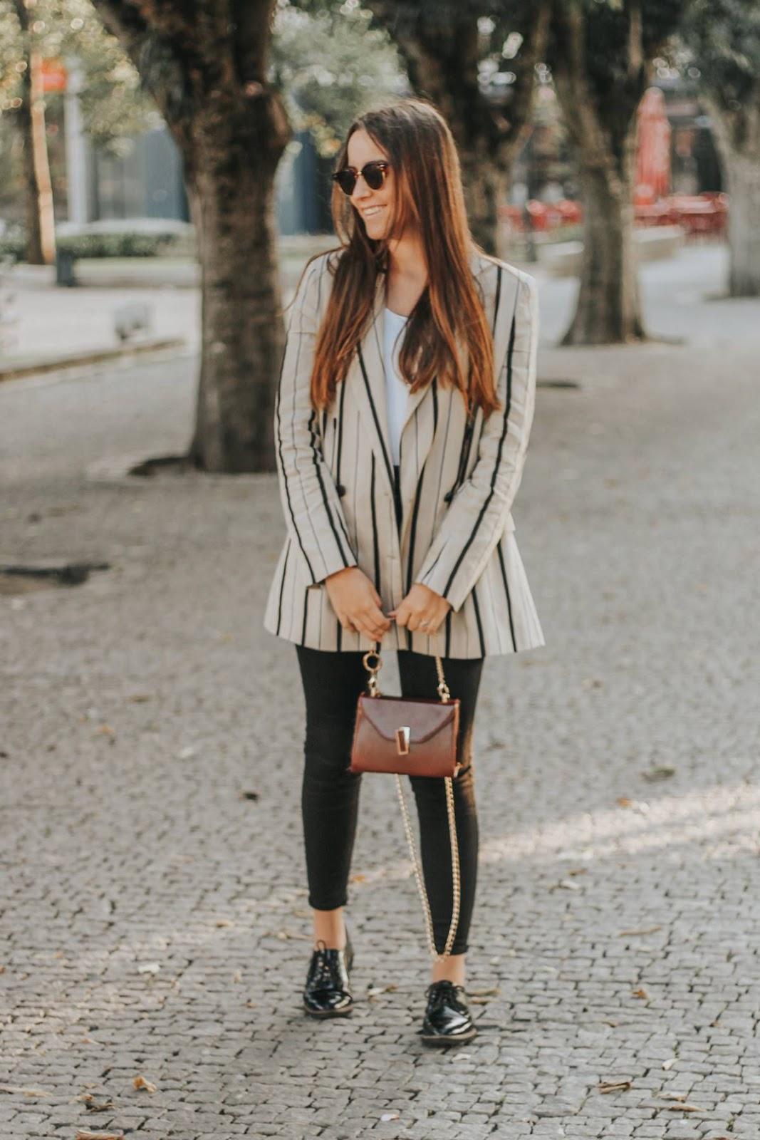 outfit_Blazer_riscas_zara