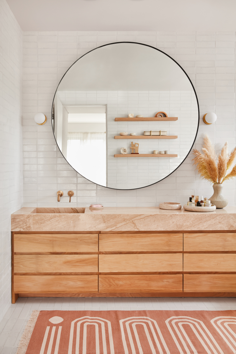 ilaria fatone_ garance doré home - bathroom in warm tones
