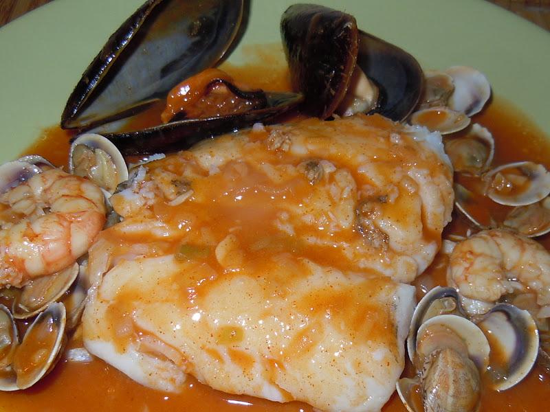 El blog de debora mis recetas del dia a dia merluza con for Hacer salsa marinera