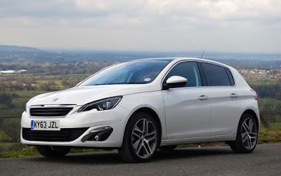Οι δημοσιογράφοι ελέγχουν την ποιότητα της Peugeot