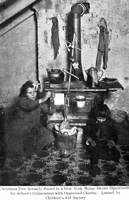 1909 USA tenement slum Christmas children