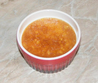 crema de zahar ars, deserturi, dulciuri, prajituri, creme catalane, creme brulee reteta, desert, prajitura, crema de vanilie, crema oua, retete straine, retete frantuzesti, retete culinare, retete, cum facem creme brulee, desert englezesc, vase ramekin, deserturi la voga, galbenusuri cu smantana lichida la cuptor,