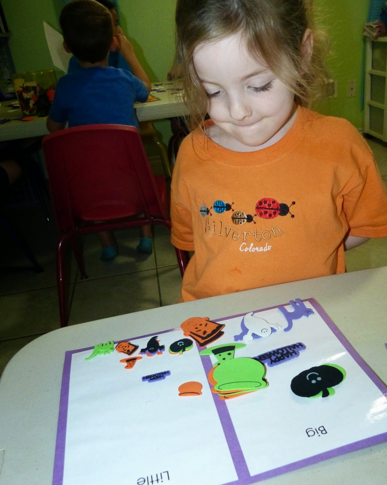 Awesome Halloween math and sensory learning ideas - see how this play based learning works!