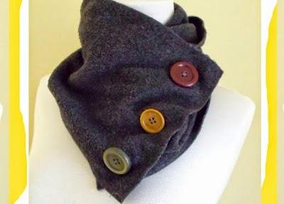 Bufanda de tubo con tela de gamuza y botones