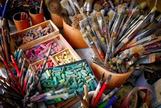 photogrpahof art supplies