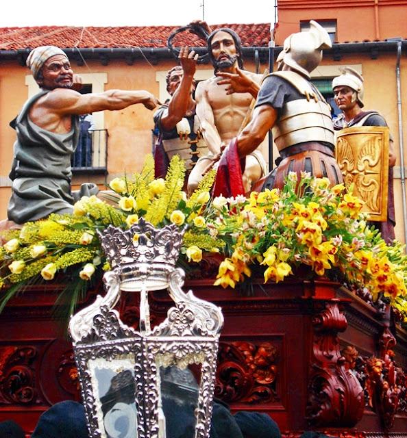 La Coronación de Espinas. Cofradía del Dulce Nombre de Jesús Nazareno. León. Foto G. Márquez.