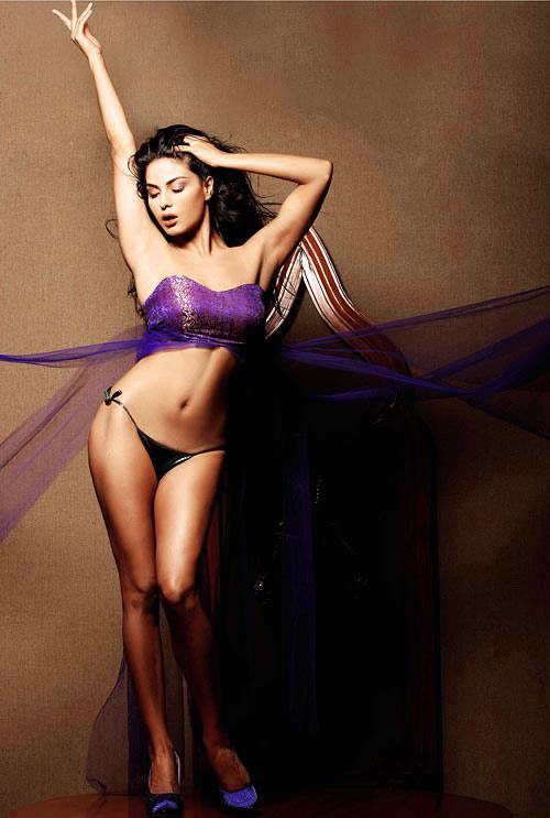 Modren wallpapers: Veena Malik FHM India Nude Photo Scandal