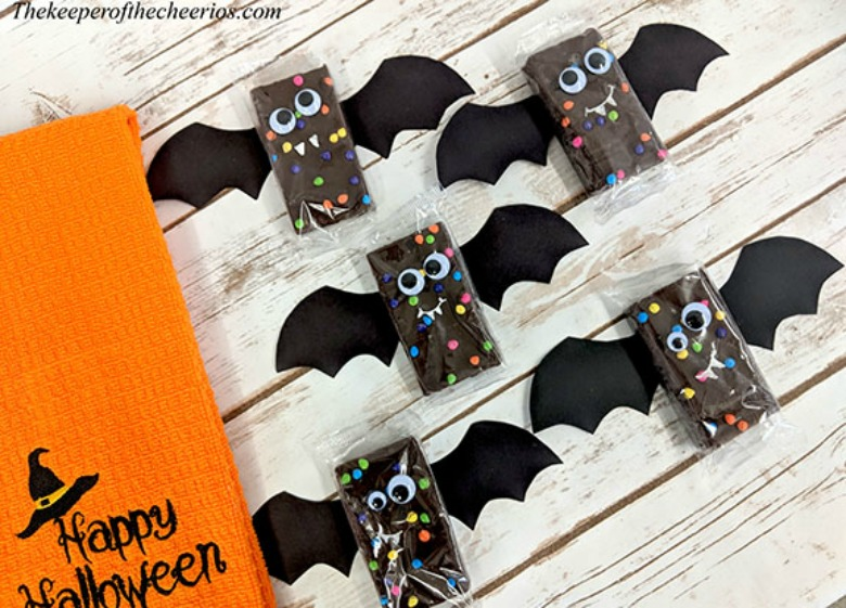 Bat brownies - Halloween bat crafts for kids