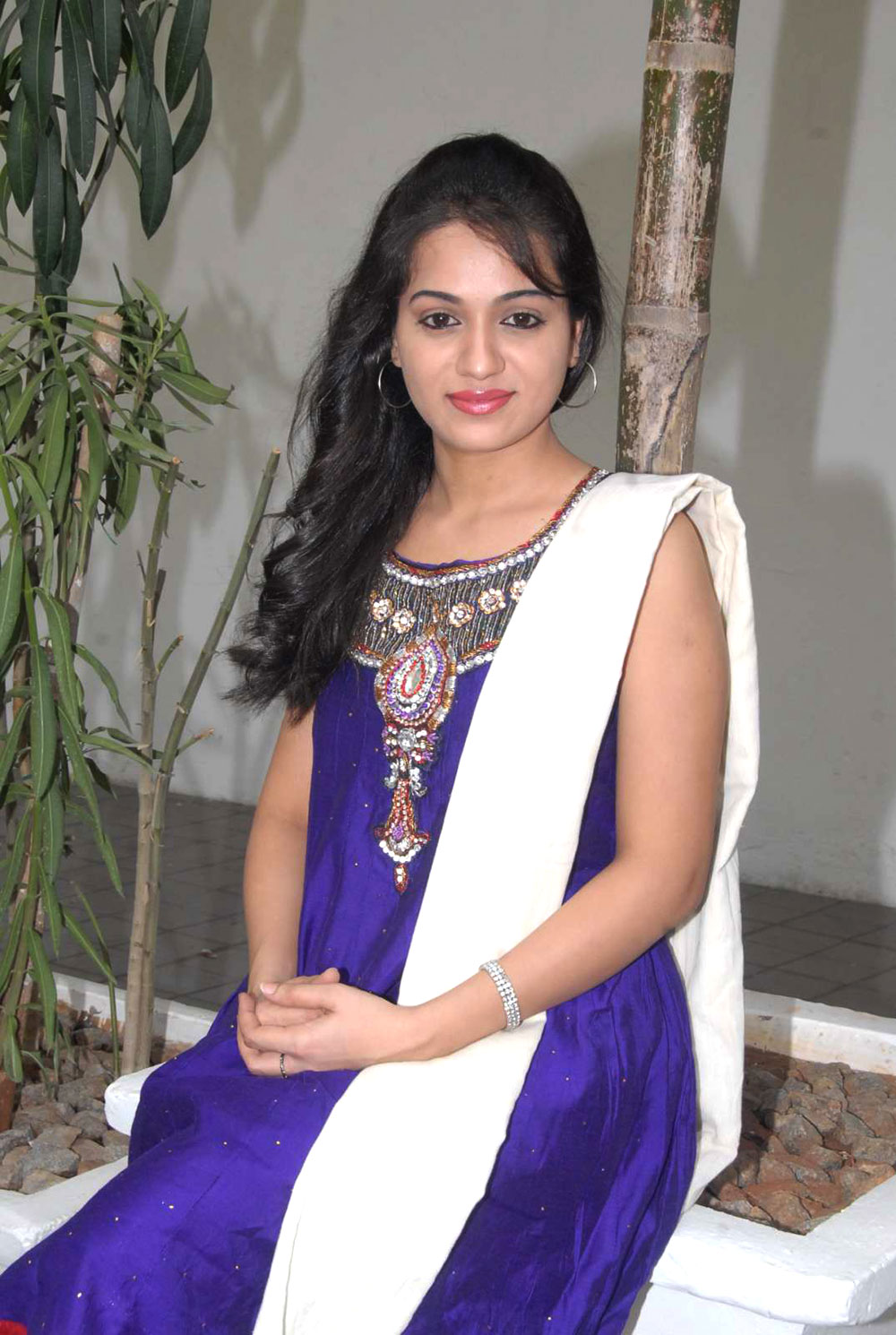 Gorgeous sexy reshma in ethnic salwar suit latest beautiful photos