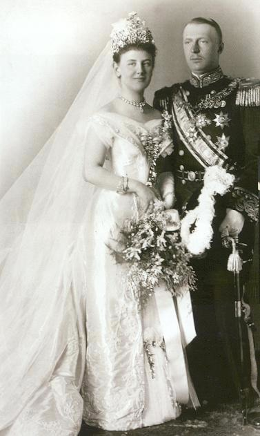 Jewel History The Royal Wedding At The Hague Today 1901 The