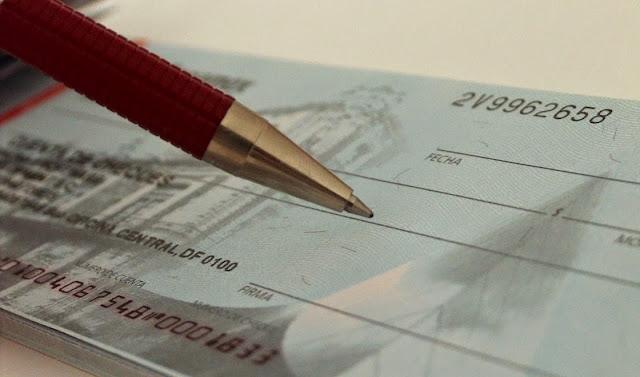 Cheques y Derecho mercantil