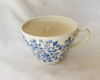 image domum vindemia teacup candle vintage vanilla scented retro broadhurst chintz blue cream white made in england