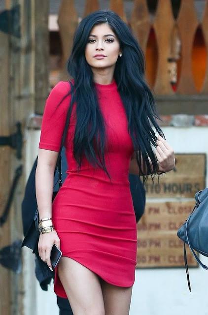 chica latina de moda