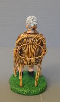 statuina personalizzata anziana seduta sedia vimini presepio orme magiche