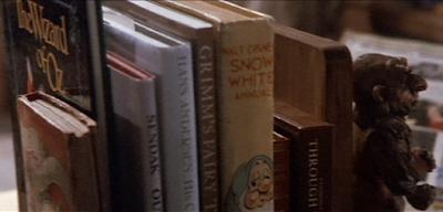sarah's books from labyrinth, sarahs bedroom from labyrinth, labyrinth screenshot